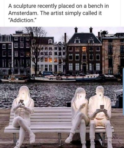 imagine hating phones so much you make a whole ass sculpture about it