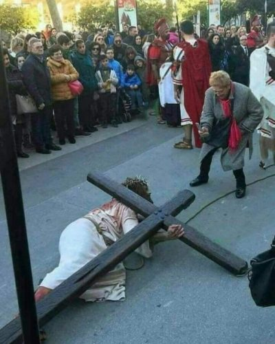 If Jesus came back today someone would definitely take cell phone pics of him