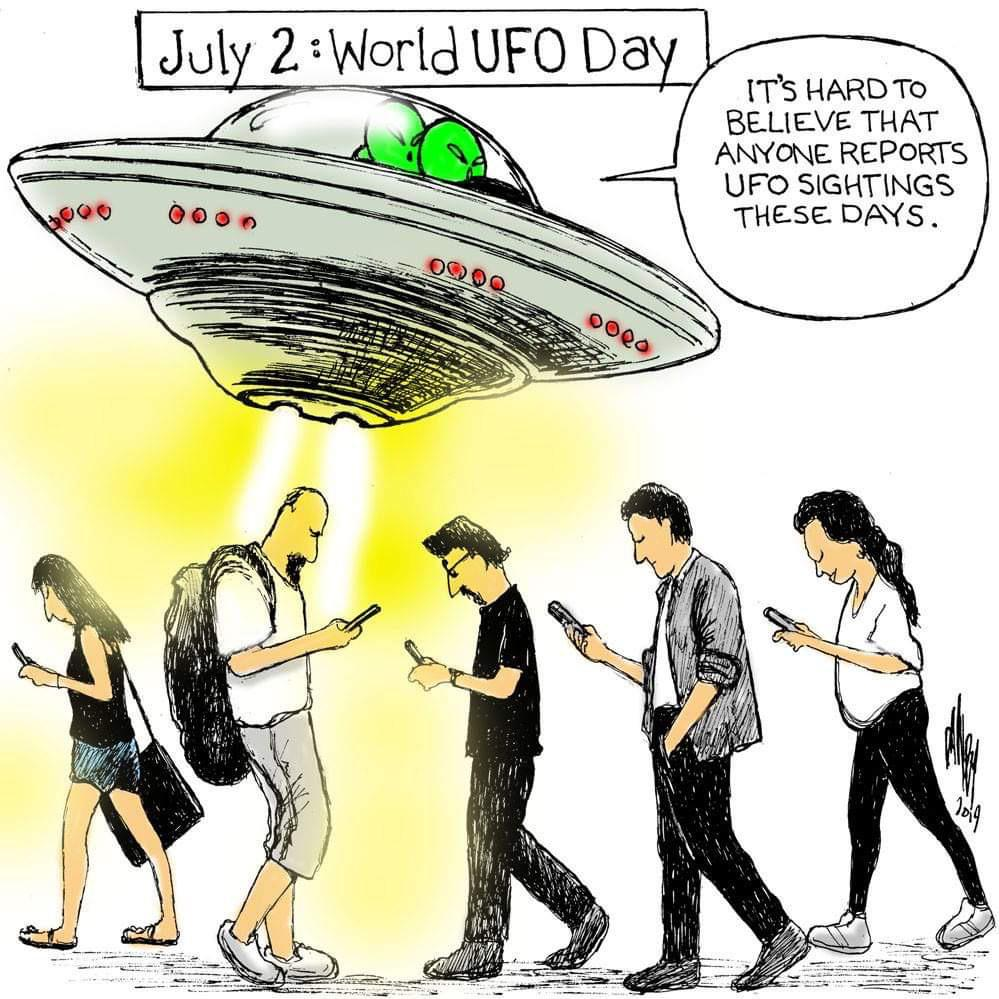 Aliens can't compete with Instagram.